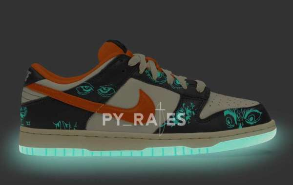 "Nike Dunk Low ""Halloween"" 2021 vamp with Glow-In-The-Dark sole"
